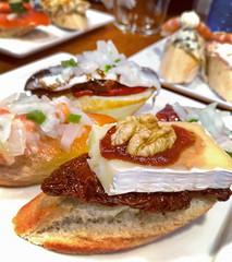 Pintxos ♥ (ARnnO PLAneR) Tags: pintxos pinchos donostia sansebastian toast tapas españa spain pornfood foodporn espagne