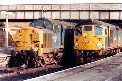26035 & 37011 Dundee (dhtulyar) Tags: rat mcrat teacup tiptop 25 26 27 sulzer brcw 26035 37011 tractor dundee edinburgh glasgow