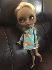 Sandy got a new dress from miema-dollhouse.com (sunshinejade) Tags: toys dolls toy doll customblythe blythedoll blythe