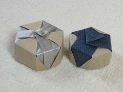 Hexagonal lids (Mélisande*) Tags: mélisande origami box hexagonal triangle twist
