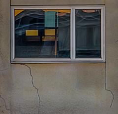 15.4.2018 Sunnuntai Sunday Turku Åbo Finland (rkp11) Tags: turku southwestfinland finland 1542018 0616 sunnuntai sunday åbo ikkunat heijastukset aamurusko aamunkajo aamunkoi auringonnousu windows reflections aurora dawn sunrise aninkaistenkatu sisäpiha takapiha backyard innerward kevät spring springtime primavera molla 春 春天 봄 printemps весна huhtikuu april 4月 四月 4월 апреля hdrefexpro2 hdr sonysel18200mmleoss hylättyvirastotalo tyhjä halkeamat home abandonedofficebuilding empty cracks mildew mold