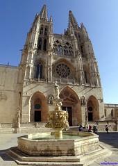 Burgos (santiagolopezpastor) Tags: espagne españa spain castilla castillayleón burgos provinciadeburgos medieval middleages fuente fountain cathedral catedral gótico gothic