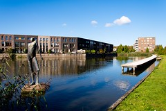_DSC0883 (durr-architect) Tags: almere modern housing lake water statue art light