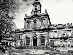Igreja da Trindade - Porto, Portugal (sarvarfer) Tags: igreja igrejadatrindade porto portugal oporto blackandwhite iglesia