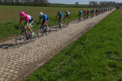 IMG_1188 (fab spotter) Tags: cyclisme parisroubaix vélo voiture course competition extérieur ecureuil hélicoptéres télévision motos