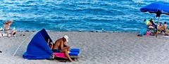 Beach People (LarryJay99 ) Tags: 2018 lakeworth florida lakeworthbeach atlanticocean men male man guy guys dude dudes panorama pano oblong water shirtless mantag blue torso legs barefoot barefeet barefuss knees shoulders nape profile