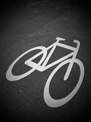 Signs ... bicycle (anubis131) Tags: fahrradweg fahrrad strase verkehrszeichen zeichen symbole schwarzweis symbol bkackwhite street bicycle signs anubis1301 germany freudenbergerpiller iphone7plus
