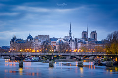 Le pont des Arts - Paris (cbreadwine) Tags: paris pont des arts sunrise