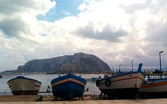 Mondello (Gina.Di) Tags: mondello sicilia palermo italia mare spiaggia barche