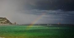 Cap al refugi. (josepponsibusquet.) Tags: natura cel tormenta pluja lluvia vela escoladevela gotes gotas arcdesantmartí arcoiris lestartit estartit griells elsgriells costabrava baixempordà catalunya catalonia cataluña tempesta refugi naturaleza mar mediterrani mediterrànea mediterraneo blau azul verd elmolinet medes medas illes illesmedes fenomensmeteorologics meteo meteorologia