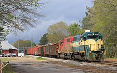 Home stretch (GLC 392) Tags: bayline bayl bay line isrr indiana southern emd gp402 4041 3018 hilton tractor trailer railroad railway train chatt job trees clouds competition competitors tree sky grass locomotive al albama dothan storm light fire department alabama