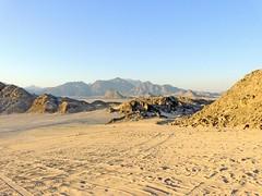 Egypte, Safaga, l'érosion du désert oriental (Roger-11-Narbonne) Tags: egypte désert safaga bédouin soleil