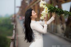 IMG_9879 (1985 IMAGE) Tags: hoa loa ken ao dai phan dinh phung cau long bien ga