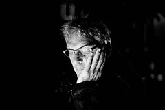 Una persona speciale (barbaracoccigatti55) Tags: ritratto bn portrait man digitale luci e ombre
