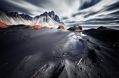 Vestrahorn Islande (EtienneR68) Tags: landscape colors eau hills mer montagne nature mountain paysage vestrahorn snaefellsnes sea reflet reflection water marque a7r2 a7rii sony type longexposure
