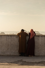 Enjoying the sunset (Tim&Elisa) Tags: essaouira morocco canon mogador atlanticocean sunset
