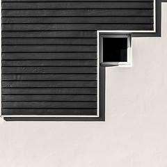 Líneas (Enrique Mesa) Tags: cuadrado square sudáfrica bw byn blancoynegro blackandwhite arquitectura architecture minimal minimalismo