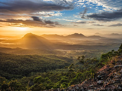 Govenors Chair Sunrise (Muzfox) Tags: scenic rim view peak mt greville govenors hair spicers gap high mist fog peaks light colour orange red green blue drop cliff edge ledge south east queensland australia murray fox award winning photography photographer olympus omd em5 mark 2 1240mm pro