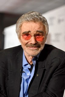 Burt Reynolds explains those strange comments he made about Hoda Kotb, Sally Field