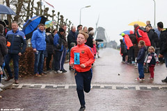 s6949_Errel2000_Driemolenloop finish 2 km (Errel 2000 Fotografie) Tags: 3molenloop driemolenloop aarlanderveen pasen 2e paasdagtweede paasdagerrel2000rob langerak atletiek aav36 molenloopcommissie start finish