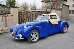 Burton car (Pays-Bas) (Cletus Awreetus) Tags: burton car voiture automobile paysbas hollande bleu roadster capote convertible rue ch365bd