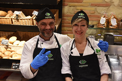 Good Food, Great Smiles (Eddie C3) Tags: romeitaly centrostorico express foodbar people happypeople roma