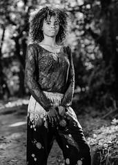 Valentina (01_0078BW) (ronnie.savoie) Tags: africanamerican black noir negra woman mujer chica muchacha girl pretty guapa lovely hermosa browneyes ojosnegros brownskin pielcanela portrait retrato model modelo modèle smile sonrisa brickbay roatan roatán honduras hondureña catracha bayislands islasdelabahía diaspora africandiaspora