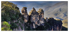 Three Sisters in Blue mountains (Quang thanh Nguyen) Tags: katoomba landscape samsungphones samsunggalaxy9plus australialandscape 3sisters bluemountains samsungs9
