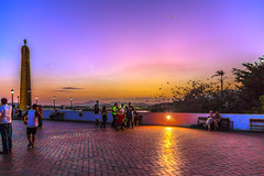 As the Sun Goes Down (Bernai Velarde-Light Seeker) Tags: panama city bovedas plazadefrancia obelisco dawn dusk sunset sunrise colors atardecer amanecer puestadelsol colores sky cielo