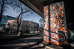 Leaning in (Melissa Maples) Tags: münchen munich deutschland germany europe nikon d3300 ニコン 尼康 sigma hsm 1020mm f456 1020mmf456 winter graffiti streetart art streetartgallery donnersbergerbrücke