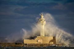 Leuchtfeuer (vdbist) Tags: leuchtturm sassnitz ostsee rügen baltic winter eis ice lighthouse wellen