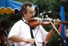 """""""Vollard lé gaillard"""" : Jean-Pierre La Selve (philippeguillot21) Tags: violon laselve saintdenis réunion france outremer vollard indianocean gratfils pixelistes nikon"""