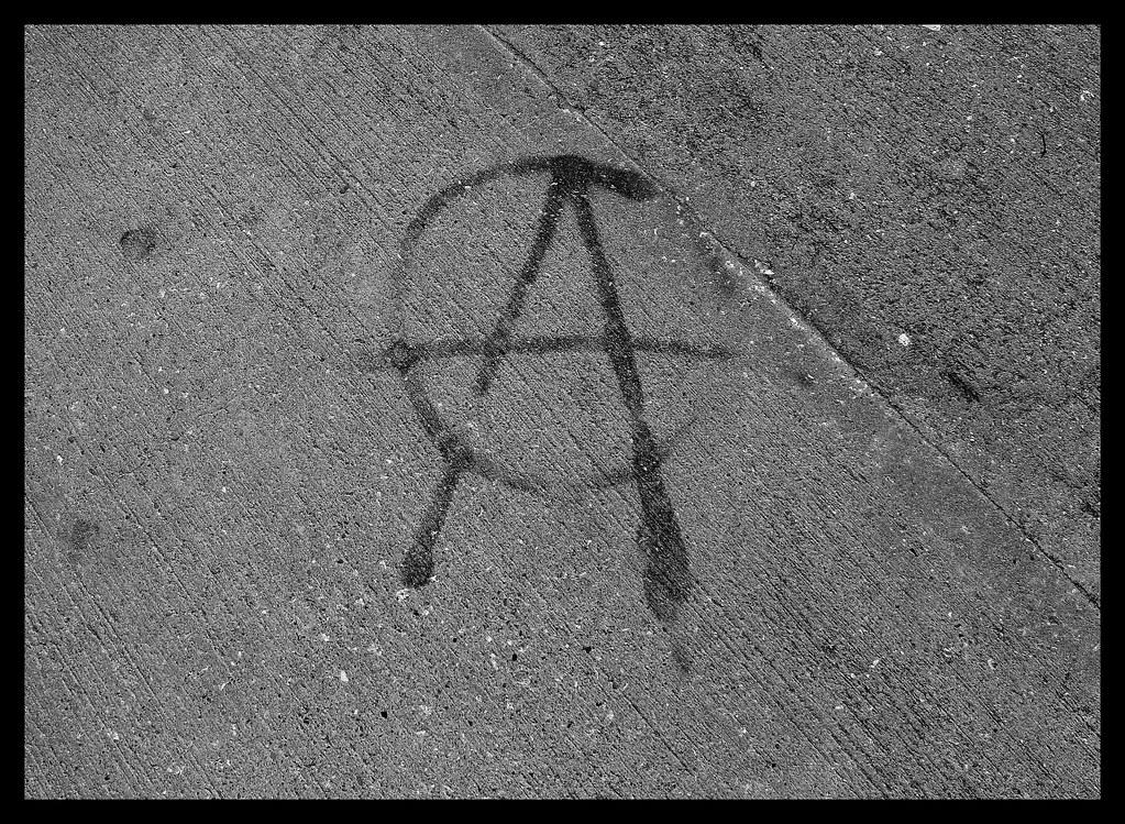 Torquay Beaches - Graffiti (49)