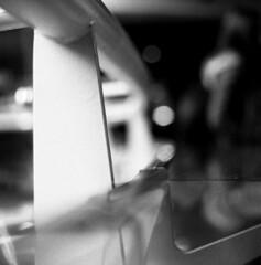 Railflects (Gabo Barreto) Tags: dublin ireland guinnessstorehouse glass reflections bokef dof film fomapan foma 400 hc110 6x6 mediumformat sovietcamera russiancamera kiev88cm selfdeveloped