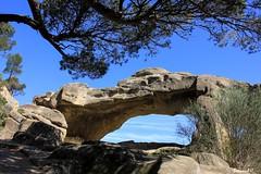 L'Arche de Calès (Bernard C Photography) Tags: canon france provence paca provencealpescôted'azur bouchesdurhône lamanon arche