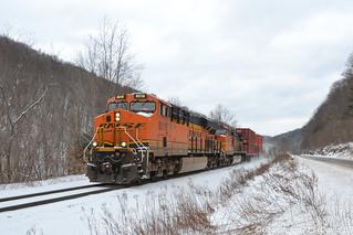 BNSF 8018 GE ES44C4 (36T)-2