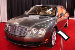 2006 Bentley Continental Flying Spur (D70) Tags: 23582000 2006 bentley continental flying spur sony dscw7 ƒ28 79mm 113 200 vancouver international auto show bc place canada april 3
