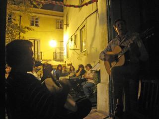 IMG_4422 Fadoabend in der Mesa de Frades, Rua dos Remédios in der Alfama, Lissabon 23.8.2008