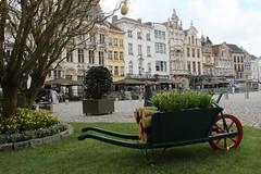 Pasen in Mechelen... (mechelenblogt_jan) Tags: mechelen grotemarkt pasen