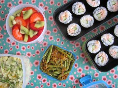 Bento 569 (Sandwood.) Tags: food cooking meal dish sushi maki bento lunch lunchbox potatosalad fruit beans salmon