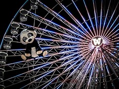 free ride (blende9komma6) Tags: hannover germany schützenplatz free ride pet ferriswheel funfair koala frühlingsfest riesenrad canon ixus spring freifahrt