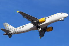 EC-MBD (GH@BHD) Tags: ecmbd airbus a320 a320200 vy vlg vueling vuelingairlines ace gcrr arrecifeairport arrecife lanzarote airliner aircraft aviation