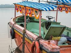 LR Madhya Pradesh 2018-2240064 (hunbille) Tags: birgittemadhyapradesh20181lr ghat ahilyabai ghats ahilyabaighat india madhya pradesh madhyapradesh maheshwar narmada river holy ahilya boat