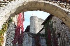 Château de Pérouges (RarOiseau) Tags: pérouges ain village patrimoine histoire époquemédiévale villageperché château pierre eu