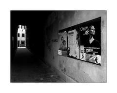 Posters (Franco & Lia) Tags: venezia venice veneto street fotografiadistrada photographiederue biancoenero blackwhite noiretblanc giudecca