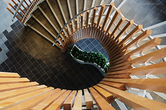 spiraling (sure2talk) Tags: spiraling staircase spiral westquay southampton geometricshapes wood squares rectangles triangles nikond7000 nikkor1855mmf3556afs 118picturesin201829manmadepatterns explore