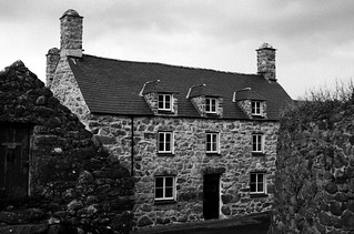 Llanddwywe (ii)