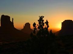 Monument Valley on morning ! (Seb770) Tags: amazing iphone beau joli beautiful landscape paysage roadtrip trek voyage amérique etatsunis america usa