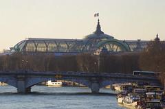 480 Paris en Février 2018 - La Seine au Pont de la Concorde, avec le Grand Palais (paspog) Tags: paris france seine rivière river fluss février februar february 2018 pont bridge brücke pontdelaconcorde grandpalais