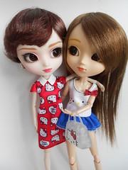 DSCN6738 Isabelle y Nayra (Madoe.) Tags: pullip muñecas muñeca dolls puppe groove pullips sabrina nina sanrio mattel hellokitty